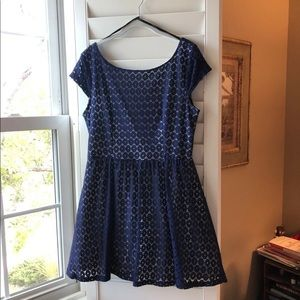 B. Darlin Navy and White Formal Dress Size 15/16